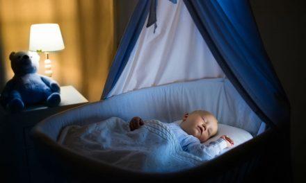 Comment les bruits blancs aident bébé à dormir ?