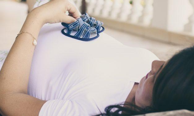 Comment dormir enceinte avec un coussin d'allaitement ?