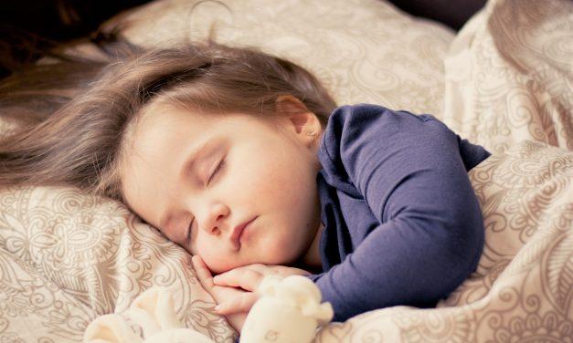 Comment le réveil enfant améliore la qualité du sommeil des plus jeunes?