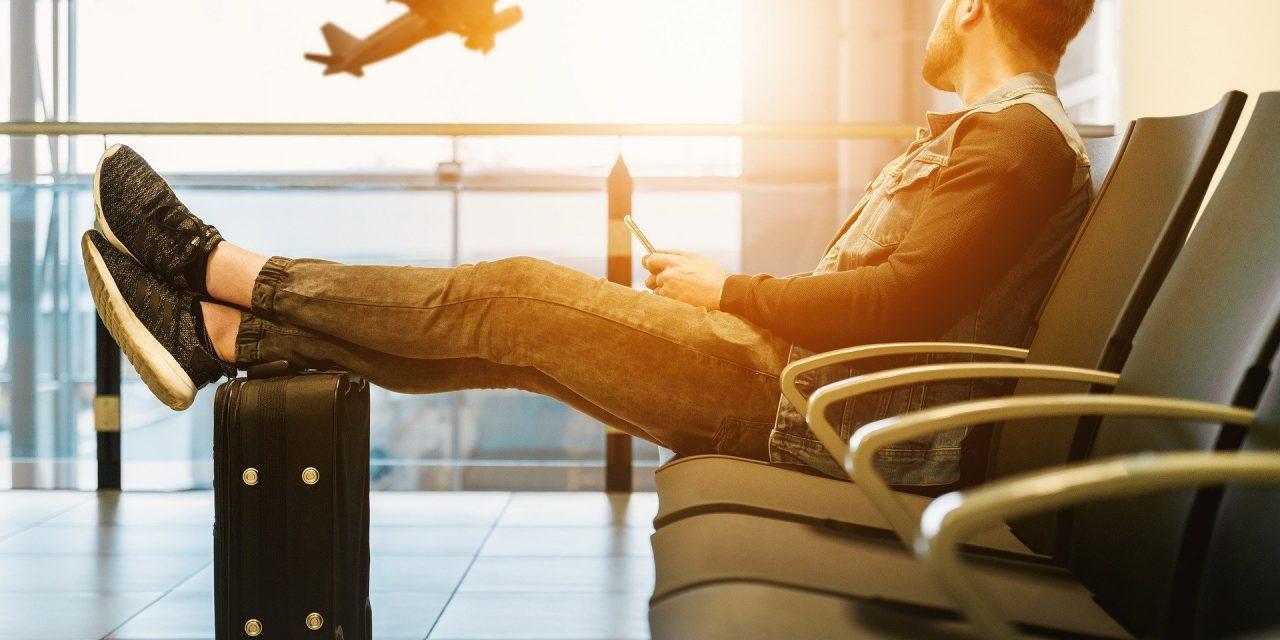 9 astuces pour dormir lors de votre vol